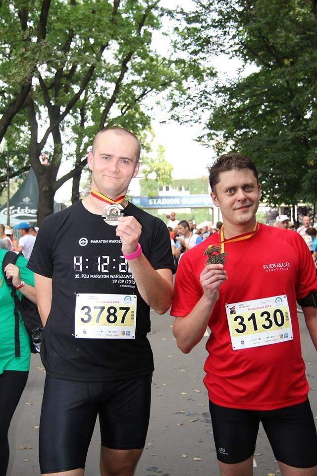 32-. Wrocław Maraton - (od lewej) Paweł Makulski i Kamil Dziubecki