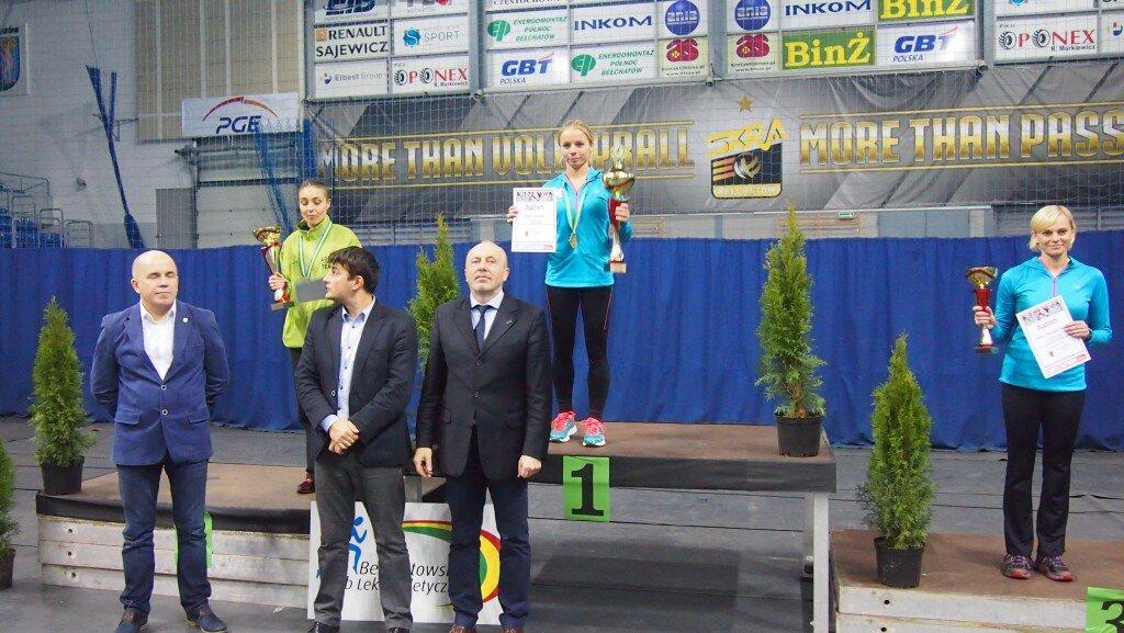 Monika Woszczyk - członkini Endorfiny, która zajęła I miejsce w swojej kategorii wiekowej w Pucharze Marszałka